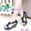รองเท้าส้นเตารีด ทรงรัดส้น ดีไซน์เว้าข้าง (สีดำ ) thumbnail 3