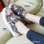 รองเท้าผ้าใบผู้หญิง พื้นยาง พิมพ์ลายดอกไม้ (สีดำ ) thumbnail 4