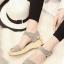 รองเท้าแตะรัดส้น สไตล์ลำลอง (สีเทา )