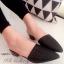 รองเท้าส้นเตี้ย หัวแหลมเปิดส้น (สีดำ)