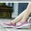 รองเท้าผ้าใบแฟชั่น ผ้ายืดสาน พื้นหักงอได้ (สีชมพูลาย ) thumbnail 5