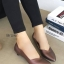 รองเท้าคัทชูส้นเตี้ย หัวแหลม ขอบหยัก (สีน้ำตาล)