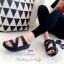 รองเท้าแตะทรงสวม สายไขว้ติดเพชร (สีดำ ) thumbnail 3