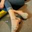 รองเท้าส้นเตี้ย รัดส้น หน้าสาน (สีครีม ) thumbnail 5