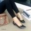 รองเท้าคัทชูส้นเตี้ย หัวแหลม ขอบหยัก (สีดำ) thumbnail 2