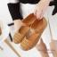 รองเท้าคัทชูเพื่อสุขภาพ เมจิกเทป หนังเจาะลายดอกไม้ (สีแทน) thumbnail 2