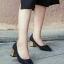 รองเท้าคัทชูส้นตัน ทรงหัวแหลม แต่งส้นสีทอง (สีดำ ) thumbnail 1