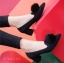 รองเท้าคัทชูส้นสูง หัวแหลม แต่งขนมิ้งค์ (สีดำ) thumbnail 2