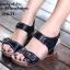 รองเท้าแตะรัดส้น สายคาดหน้าแต่งเข็มขัด (สีดำ) thumbnail 3
