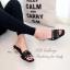 รองเท้าแตะส้นเตี้ย ทรงสวม แต่งหมุด (สีดำ ) thumbnail 2
