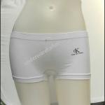 กางเกงในผู้หญิง Calvin Klein สีขาวแบบเต็มตัวมี logo Calvin Klein ด้านหน้า