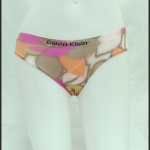 ชุดชั้นในผู้หญิง CK สีน้ำตาลครีม ลายใบไม้