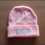 หมวกไหมพรมสีชมพู ( pastel ) ปัก hello