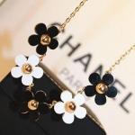 สร้อยคอแฟชั่นเกาหลี สร้อยคอสั้นรูปดอกไม้สีขาวดำ
