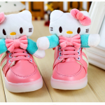 พร้อมส่งค่ะ รองเท้าการ์ตูนคิตตี้ น่ารักมากๆค่ะ มีไฟกระพริบ หลายสี เวลาเด็กๆ เดินค่ะ สีชมพูเหลือไซส์ 30