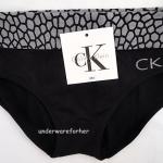 กางเกงในผู้หญิง CK สีดำขอบลายอิฐปัก logo ckที่ด้านหน้าข้างซ้าย