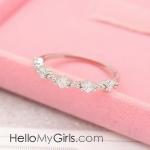แหวนแฟชั่นเกาหลี แหวนเพทายทรงสี่เหลี่ยมเล็กเรียงแถว