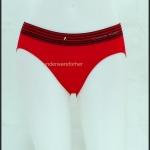 ชุดชั้นในผู้หญิง Calvin Klein สีแดงมีลายเส้นสีดำ ที่ขอบ