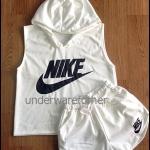 เสื้อกล้ามแขนกุด มีฮู้ด กางเกงขาสั้น สีขาว